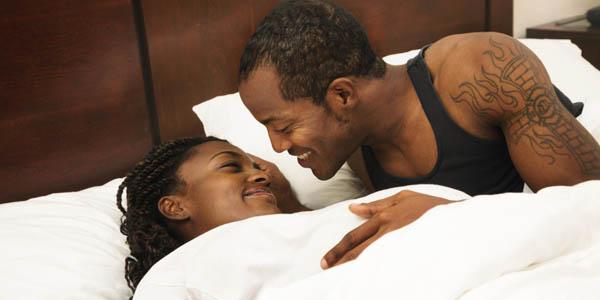 Amantes na cama